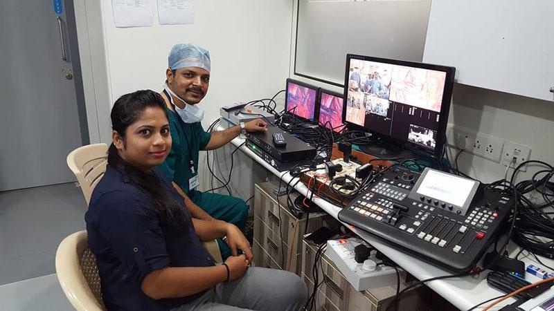 3d 1b - 3D HD Live Surgery Broadcast