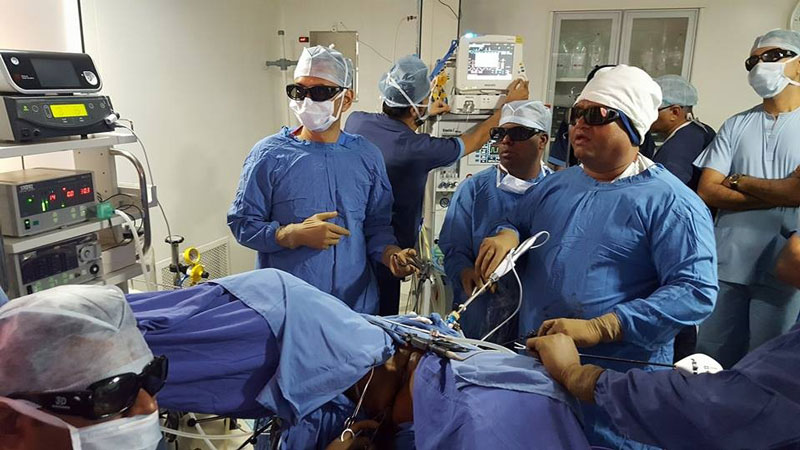 3d 2b - 3D HD Live Surgery Broadcast